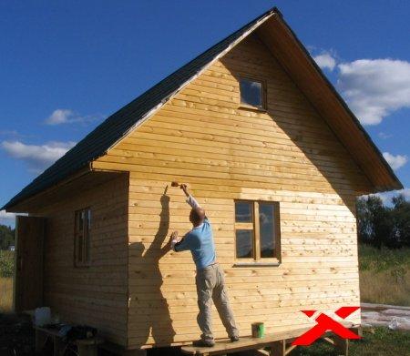 Как покрасить дачный домик своими руками