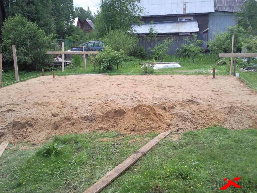 Выравнивание участка песком своими руками 38