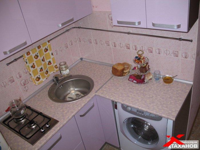 Угловая кухня для малогабаритной кухни своими руками 55