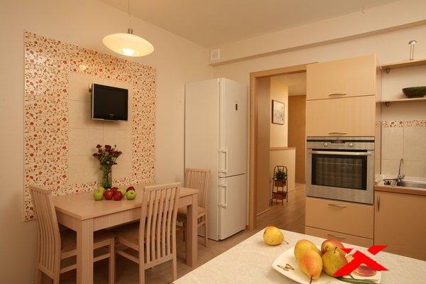 Телевизор на кухне варианты размещения фото.