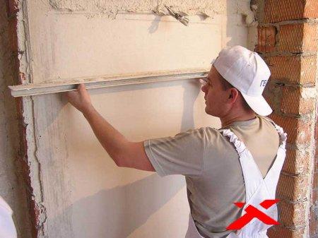 Ровняем стены своего дома своими силами