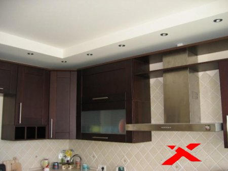Фото навесных потолков для кухни