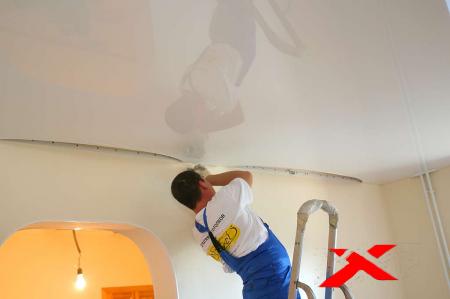 Применение технологии натяжных потолков при ремонте поверхностей