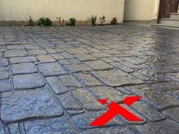 Преимущества и недостатки декоративного печатного бетона